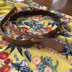 Gorgeous nude leather GAP belt
